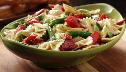 Ensalada de pasta fresca con salm n salvaje de alaska - Ensalada fresca de pasta ...